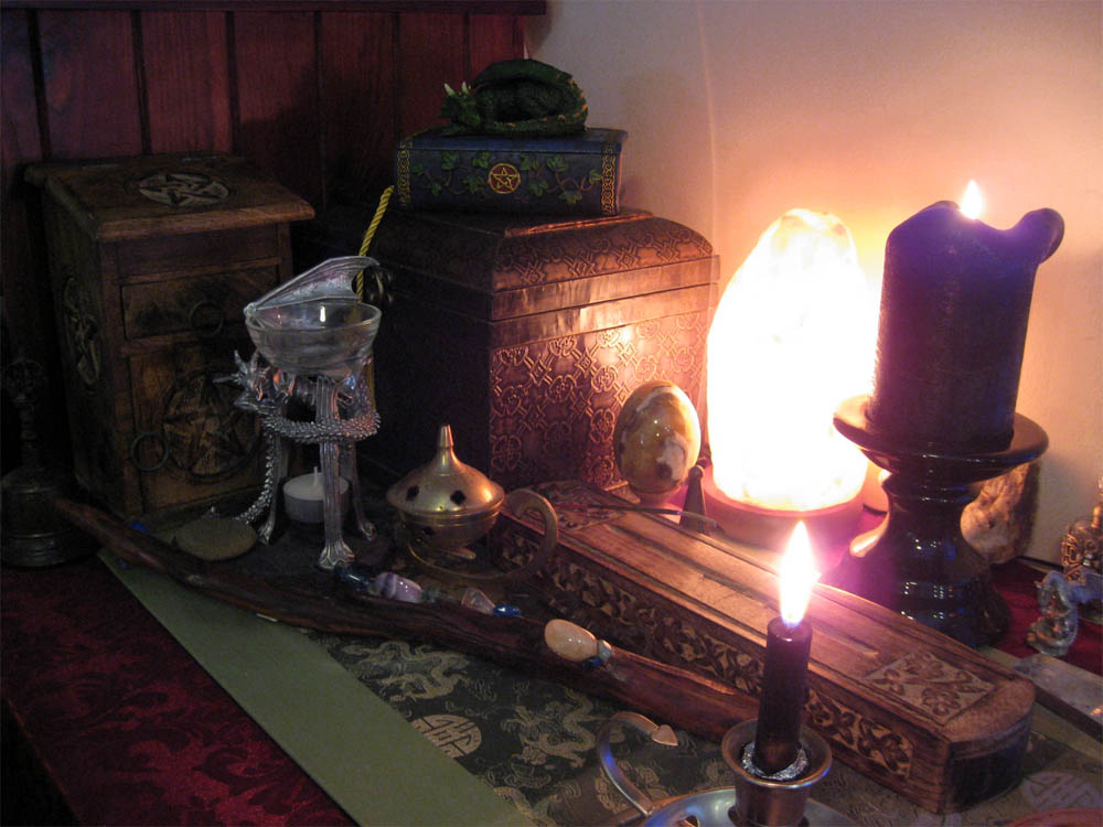 Salt Lamps Green Earth : Altared Evolution An Aussie Wytch s Book of Correspondences